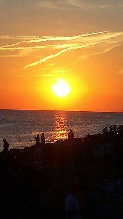 Veraclub Ibiza: Tramonto a café del mar