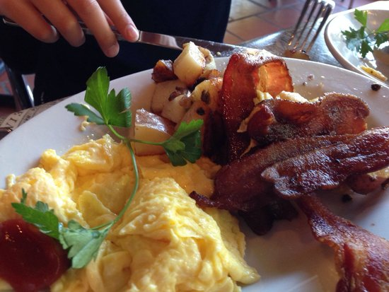 Alexis Baking Company: Eggs, bacon och sausage