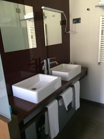Wilson Boutique Hotel: Bathroom