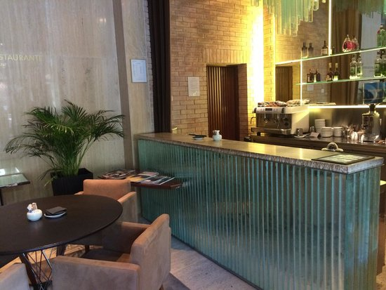 UR Palacio Avenida: Lobby bar