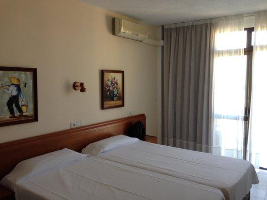 Hotel Amic Miraflores: camera