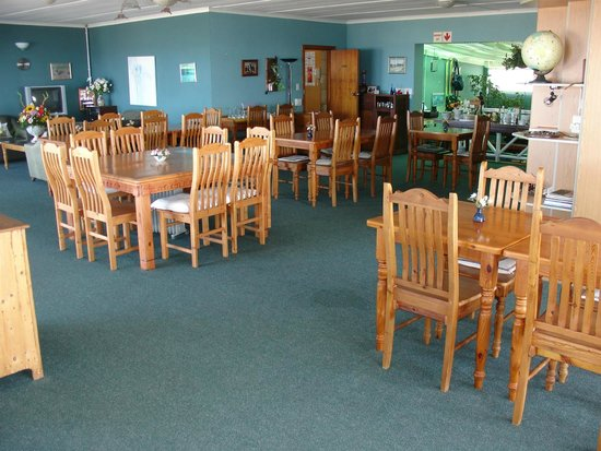 On The Bay Guesthouse: breakfast room