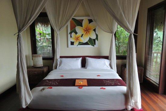 Nandini Bali Jungle Resort & Spa : ハネムーナーの気分を満喫させてくれる部屋