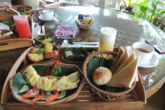 Nandini Jungle Resort & Spa: ボリューミーな朝食