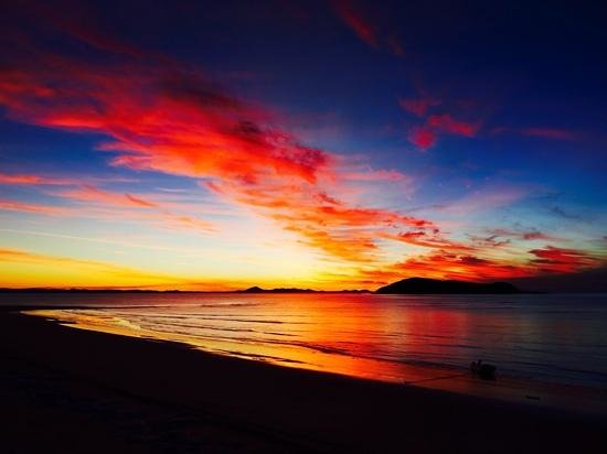 Great Keppel Island Hideaway : sunsets from the Bistro