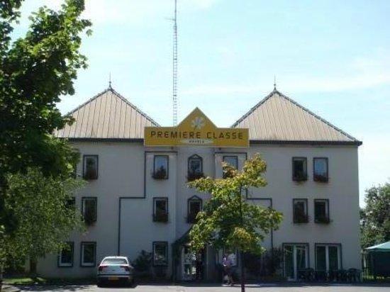 Premiere Classe Strasbourg Sud - Illkirch : Vue extérieur de l'Hôtel