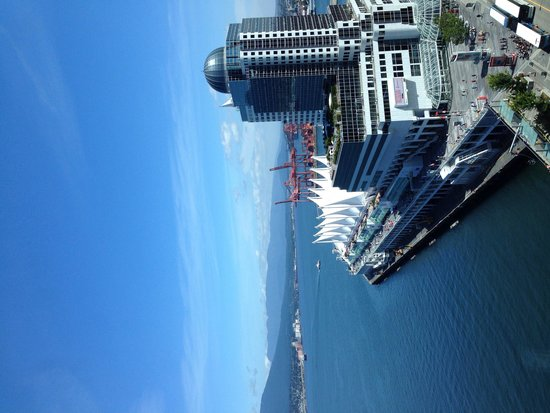Fairmont Pacific Rim : The view from our room on a sunny Vancouver day!