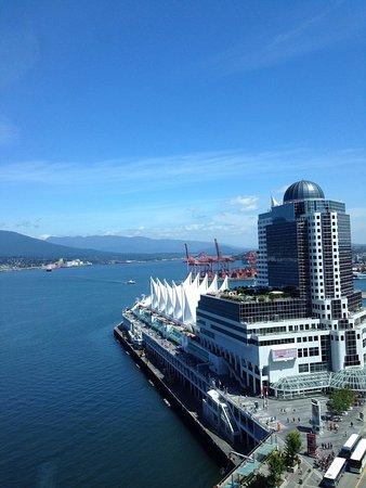 Fairmont Pacific Rim: The view from our room on a sunny Vancouver day!