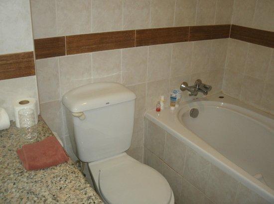 Diana Garden Resort Modern Flush Toilet And Full Bath With Shower Set High Enough For