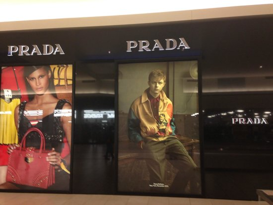 Fashion Outlets of Chicago: Prada