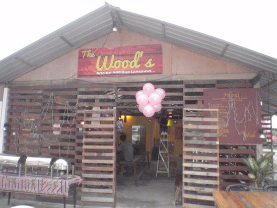 The Wood's Kitchen & Bar Langkawi: Wood's kitchen
