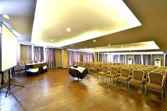 Serela Kuta : Starling Meeting Room