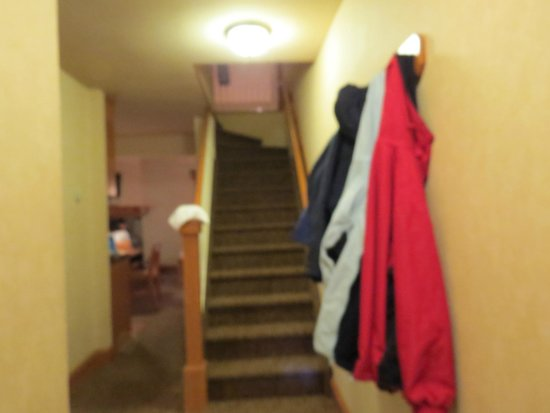 Hidden Ridge Resort : To the loft