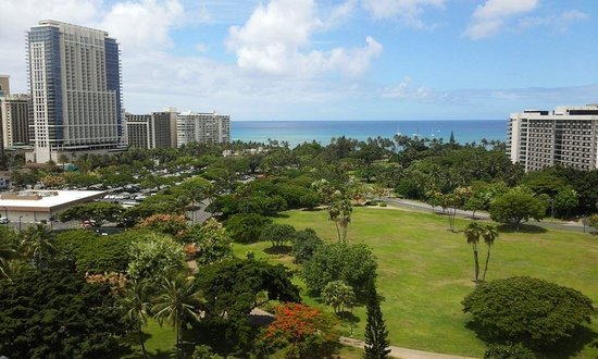 Luana Waikiki Hotel & Suites: The view from 'partial ocean view' on 12th floor