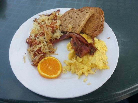 45th Parallel Cafe: Bacon is great!
