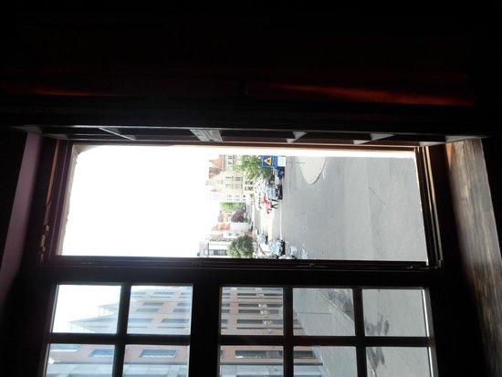 Hostel Przy Targu Rybnym: widok z okna