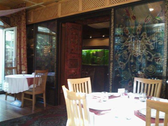 Restaurant Villa Thai: One of many rooms