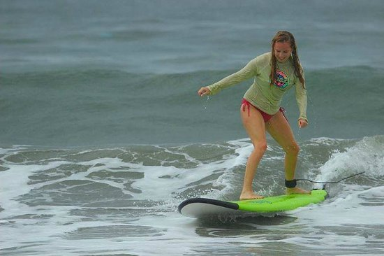 Blue Horizon Surf and Trips: Surfing!