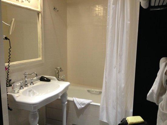 Hotel Le 123 Elysées - Astotel : Baño-1