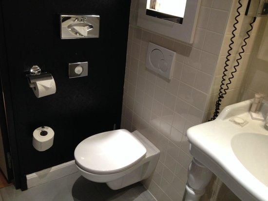 Hotel Le 123 Elysées - Astotel: Baño-2
