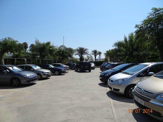 Hotel Playa De Canet: Le parking intérieur