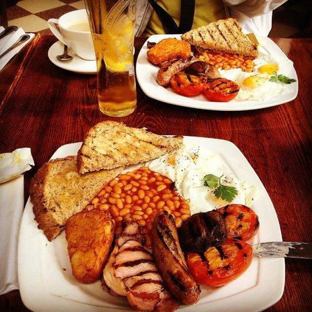 The Coal Hole: Lovely English breakfast