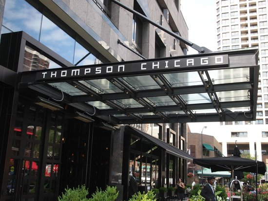 Hotel lobby picture of thompson chicago a thompson for Best hotel location in chicago