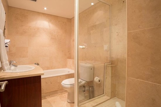 Life & Leisure Lifestyle Accommodation: One bedroom Bathroom