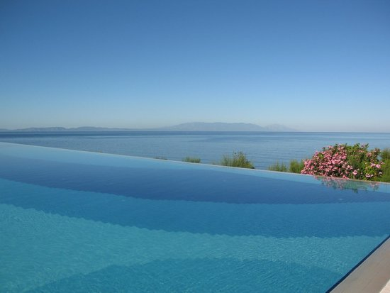 Paloma Club Sultan Ozdere : piscine vue sur la mer