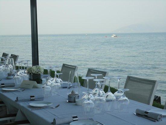 Tancredi Restaurant: Dehors fronte-lago