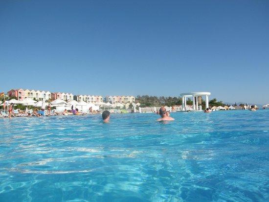 Paloma Club Sultan Ozdere: dans la piscine