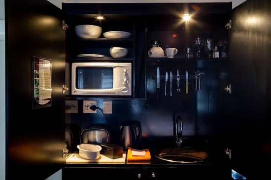 Life & Leisure Lifestyle Accommodation: Guesthouse Room Kitchenette