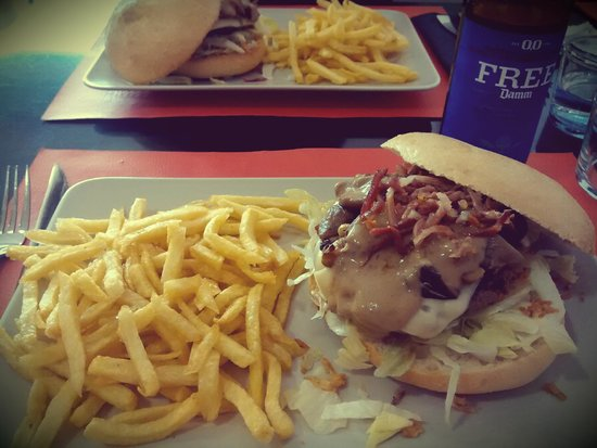 Frankies : Hamburguesa de la Semana con sus Patatas