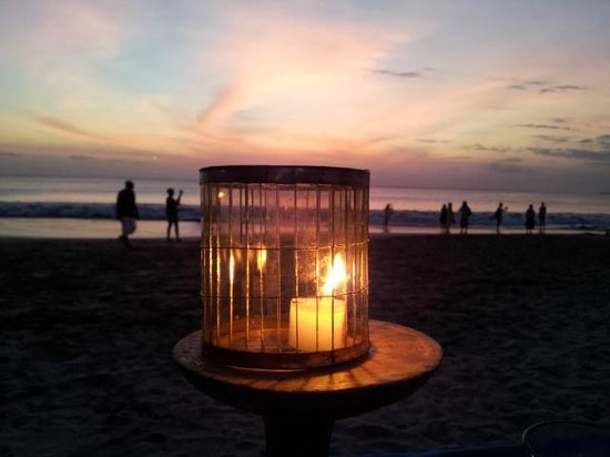 Lia Cafe: Candlelight, seafood, sunset and beer - Romance heaven!