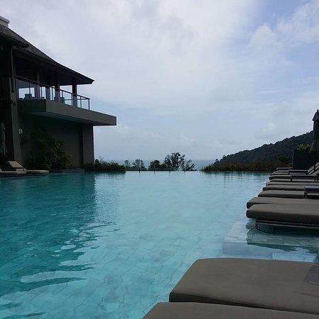Avista Hideaway Phuket Patong, MGallery by Sofitel: Beautiful scenery at the Riverside Pool
