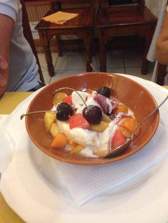 Wine Wine : Macedonia con gelato