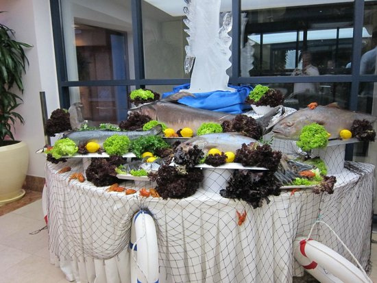 Cornelia De Luxe Resort: Dinner (Sea Food Night)