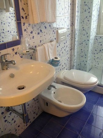 Hotel Villa Nefele: Ванная комната