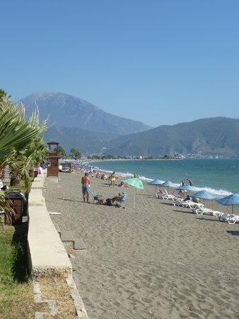 Gunes Hotel: Calis beach