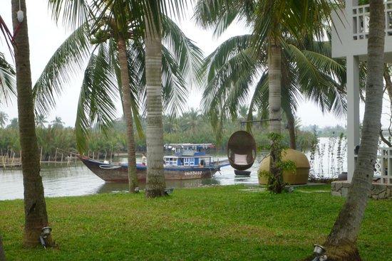 Hoi An Beach Resort: вид на реку