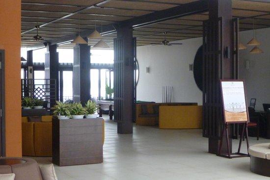 Hoi An Beach Resort: визле ресепшен