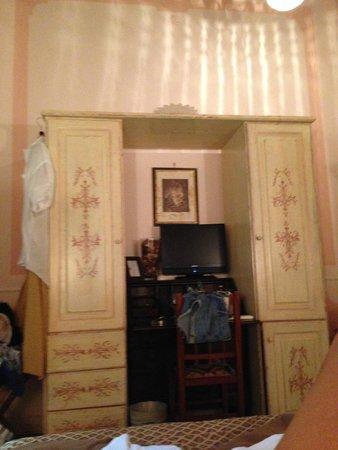 La Maison dell'Orologio: room