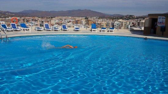 Hotel El Puerto by Pierre & Vacances: PISCINA
