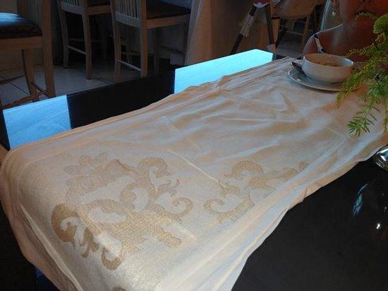 Delphin Imperial Hotel Lara: Restaurant table setting
