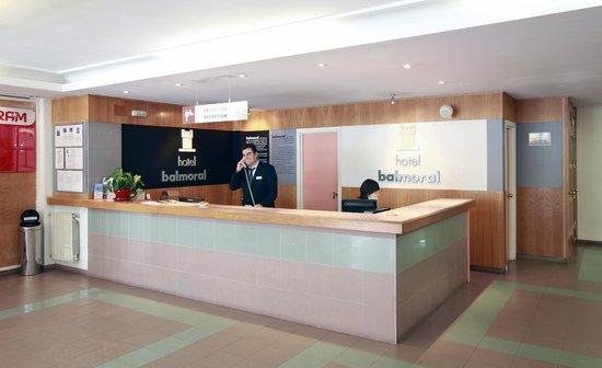 Hotel Balmoral: Recepción