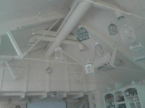 Restaurant Kordon: cages aux oiseaux