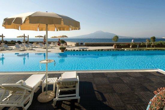 Towers Hotel Stabiae Sorrento Coast : Outdoor Pool