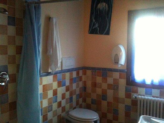 1ère salle de bain avec douche à l\'italienne - Bild von El Pendola ...