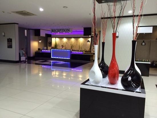 Hotel SideKum: reception