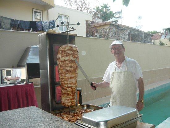 Arikan Inn : шаурма и наш повар